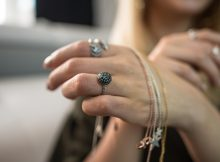 Ghidul bijuteriilor incrustate cu pietre de opal